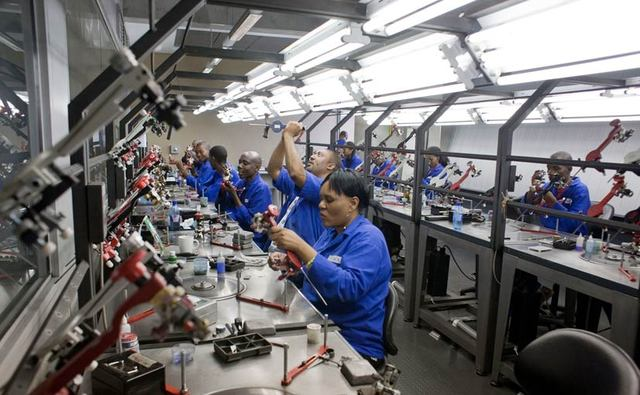 The world's four diamond processing centers are the world's five gem processing centers